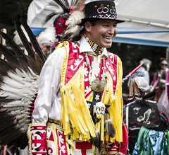 IMGP0534 (pitysing) Tags: beads colorful flickr dancing shield knives tradition ancestry brings americanindians headdress regalia powwow breastplate 2016 rattles quirts dancesticks