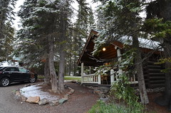 Storm Mountain Lodge, Banff National Park (vietnamvera) Tags: stormmountainlodge canadianrockymountains banffnationalpark