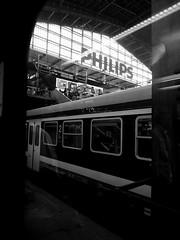 Hamburg - Hauptbahnhof (chicitoloco) Tags: hamburg central station hauptbahnhof train sbahn sbahnsteig philips