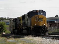 D907 Approaching Sunnyside (PPWIII) Tags: grandrapids pleasant sunnyside century grandville d907 reefer trains railroad