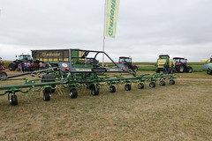 Krone tractor @ Innov-Agri 2016 @ Outarville (*_*) Tags: innovagri innov agri agro agriculture machinery fair tractor farming france loiret outarville 2016 summer cloudy farm exhibition show september septembre salon machine mechanics ferme krone europe
