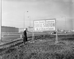 11-05-1959_16038 Kriterion Shell Station (IISG) Tags: pet man students amsterdam uniform traffic shell gasstation cap studenten politie verkeer tankstation kriterion benvanmeerendonk politieagent