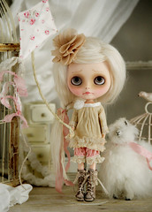 Mori girl meets Shabby Chic (Ragazza*) Tags: kite artdoll airbrush shabbychic customblythe handmadeoutfit antiquefabric carvedlips handpaintedeyechips morigirl petitewanderlings alpacahair