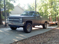037 (stevenbr549) Tags: chevrolet grey 4x4 deluxe chevy trailer custom 1985 towing k10