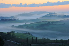 misty sunrise ((:Andrzej:)) Tags: road trees italy misty fog clouds sunrise europe hills valley tuscany pienza toscana valdorcia mga chmury ziele wochy drzewa toskania theworldwelivein supershot wschdsoca flickrdiamond