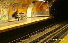 Conversaciones subterraneas - Madrid (Polycarpio) Tags: madrid people espaa subway gente metro poly gallardo fotosdemadrid polycarpio jmgallardo fotosdeesapaa juanmanuelgallardo polygallardo juanmgallardo
