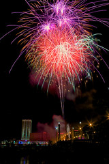 Kaboom (Larry White (Trying_to_Shine)) Tags: longexposure colors canon fireworks massachusetts tripod 4th july 5d springfield burst independence miii