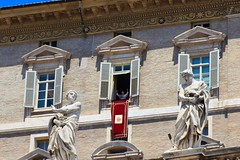 Current Affairs - Pope Benedict XVI Resigns (Maria_Globetrotter) Tags: city pope vatican church june catholic audience religion palace vaticano apostolicpalace ratzinger marias 2012 apostolic piazzasanpietro resign benedict angelus papal saintpeterssquare resigns benedictxvi benediktxvi romancatholicchurch benedettoxvi pven vlsignelse vatikanen benedictuspp