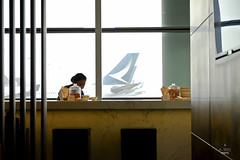 Cathay livery from the lounge (A. Wee) Tags: cathaypacific  thebridge  lounge hongkong hkg    china