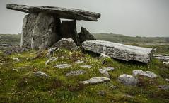 Poulnabrone Dolmen, Ireland (vonHabsburg) Tags: ireland burren stone grave fog clouds poulnabronedolmen steingrad grab stein grau grey wetter nebel wolkig cloudi foggy rain regen alt old antik