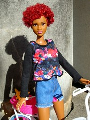 Lovely redhead (Deejay Bafaroy) Tags: barbie fashionistas tall redhead doll puppe black schwarz red rot portrait portrt sunny sonnig outdoors draussen blue blau bicycle bike fahrrad velo dog hund hndchen miniature miniatur 16 scale playscale steffilove biketour