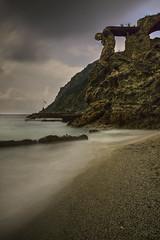 Giant awakening from the rocks (elpitiuso) Tags: rocks sea monterosso cinqueterre italia italy longexposure travel seda largaexposicion fotografialargaexposicion nikon