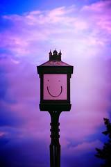 Il mio amico Lampy (Colombaie) Tags: danimarca denmark copenhagen christianshavn isola ponte canale lampione viso faccia pennarello testa sorridere sorridente pareidolia