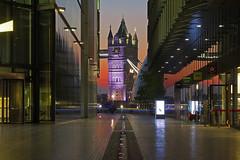 Gemma nascosta / Hidden gem (Tower Bridge, London, United Kingdom) (AndreaPucci) Tags: towerbridge london uk sunrise morelondon riverside andreapucci canoneos60