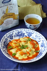 Ravioli con ricotta di capra e melanzane 10 (Giovanna-la cuoca eclettica) Tags: ravioli melanzane pomodori erbearomatiche herbs food primipiattiabasediverdure ricotta