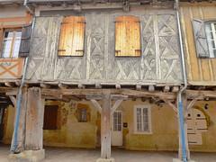 (domclavaud) Tags: france village couleurs facades colombages gascogne gers midipyrénées tillac