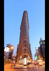The Flatiron Building (Franafricano) Tags: nyc travel summer vacation usa newyork art architecture night canon spring twilight manhattan flatironbuilding mundo nuevayork 5photosaday canon163528 cinematik nightx 5dmarkii twilightx