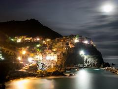 Manarola (jp3g) Tags: longexposure light sea moon water night town amazing low panasonic cinqueterre g3 med manarola