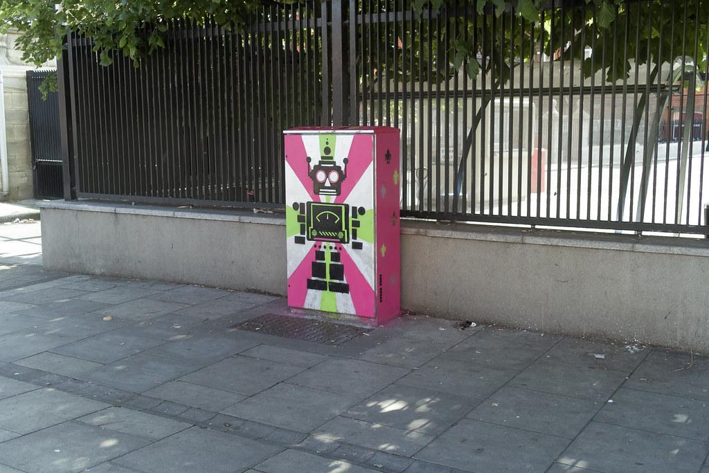 """Bolt On"" The Robot - Street Art On Bolton Street (Anna Doran)"