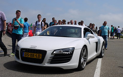 Audi R8 (MauriceVanGestel Photography) Tags: auto park italien people italy white holland cars blanco netherlands car italian italia day gente north nederland nh led german coche leds holanda nl autos dag audi circuit wit zandvoort supercar coches olanda germancar sportscar deutsch noordholland itali niederlande supercars italiano r8 noord italiaans duits alemn sportwagen hollandia 2011 northholland cpz audir8 iaz audisport italianday italiaazandvoort circuitzandvoort duitseauto circuitpark deutscheauto whiteaudi sportwagens audir whiter8 ledjes whiteaudir8 italiazandvoort witter8 witteaudi audisportwagen witteaudir8 italiaazandvoort2011 italiaansedag audizandvoort audiblanco
