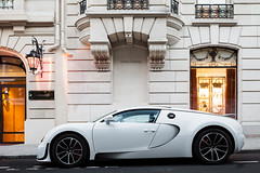 Bugatti Veyron SuperSport (Valkarth) Tags: auto red summer white black paris france blanco car sport june canon bug french eos juin automobile dubai noir mark ss dream royal automotive super voiture arab ii coche saudi l mk2 5d kuwait arabian orient q bugatti qt bianco blanc nero f28 supercar mk reve hollyday eb ete 2012 qatar mkii veyron markii supersport ksa monceau bugg mark2 2470mm calipers qtr moyen 2470 hoche 1000hp 1200hp hypercar