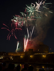 "Castel Sant'Angelo, fuochi d'artificio • <a style=""font-size:0.8em;"" href=""http://www.flickr.com/photos/89679026@N00/7471679470/"" target=""_blank"">View on Flickr</a>"