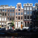 "Amsterdam Rowhouses <a style=""margin-left:10px; font-size:0.8em;"" href=""http://www.flickr.com/photos/14315427@N00/7536042198/"" target=""_blank"">@flickr</a>"