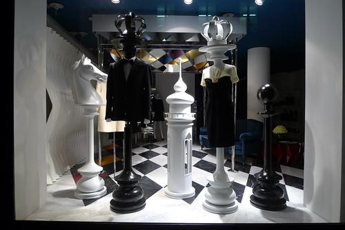 Vitrine Moschino - Paris, juillet 2012