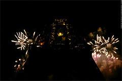 14th July Fireworks - Eiffel Tower, Paris. IMG120714_260__S.D/S.I.P_FR_JPG Compression. (Sbastien Duhamel) Tags: paris france artist fireworks live eiffeltower latoureiffel canon5d champsdemars ump journalist fra musique artiste musiciens presse journaliste ftenationale partisocialiste bertranddelano baldespompiers pompierdeparis photopresse ftesnationales franoishollandeprsident parisle14juillet parison14july imgpress firemanball projetftesnationalesparis ftesnationalesparis nationaldayinparisproject nationaldayinparis feudartificeparis deuxdartifice mas