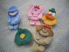 chaveiros/ímãs-botoes_pocoyo (Veluarts Atelie) Tags: felt bebê feltro aniversário festas nascimento maternidade ímãs chá botões chaveiros pocoyo fieltro