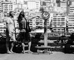 Monaco (JoHeyFotografie) Tags: monaco frankreich france sdfrankreich stadtstaat ctedazur mittelmeer mermediterranee mediterraneansea stadt stadtbild stdtebau architektur woman man couple paar ausblick aussicht view fernglas mnzfernglas blackwhite schwarzweis bw sw schatten shadow zeigen huser dof
