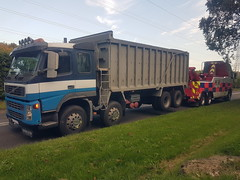 Volvo FH13 Rear lifting 8 Wheeler Bulk Tipper 2 (JAMES2039) Tags: volvo fm12 tow towtruck truck lorry wrecker heavy underlift heavyunderlift 8wheeler 6wheeler rear rearsuspend tipper cardiff rescue breakdown ask askrecovery recovery fh13 pn09juc pn09 juc aberthaw power station