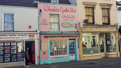 Day Trip To Whitstable - Wheelers Oyster Bar (Rob Jennings2) Tags: whitstable wheelersoysterbar oyster oysters pink