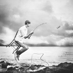 out of the ordinary. (robby.cavanaugh) Tags: ocean blackandwhite man beach clouds photo fishing model chair photographer starfish rope outoftheordinary davidtalley sarahannloreth brianoldham robbycavanaugh