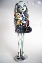 Frankie Stein Wave 1 (loveFEMME) Tags: dog pet basic frankiestein monsterhigh watzit daughteroffrankenstein