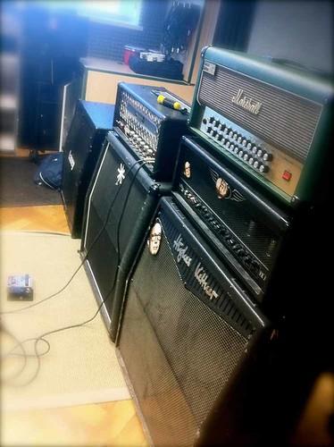 Daddysmilk - Amp Wall