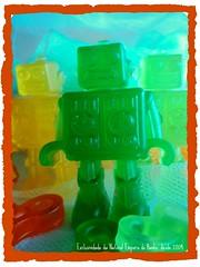 Sabonete-robot! (Natural Emporio do Banho Soaps,since 2004) Tags: handmade artesanal craft botão sabonete meltandpour glicerina feitoamão alfineteiro agulheiro sabonetelíquido botãoforrado sabonetebarra kitbanho fuxicotecido saboneteartesanal lembrancinhasabonete