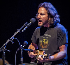 Oaky, who of you spoke in Carr today? (3FM) Tags: music amsterdam foto ben grunge pearljam presents solo muziek acoustic pearl eddie jam 2012 eddievedder carr vedder carre koninklijktheatercarr 3fm eddyvedder houdijk fotobenhoudijk