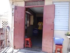 村のProvisions屋 パンを売ってる (lulun & kame) Tags: scottshead dominica スコッツヘッド america ドミニカ アメリカ大陸