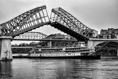 Delta Queen (pmf19691969) Tags: chattanoga river bridge delta queen