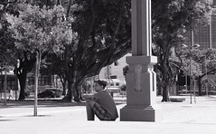 (victorcamilo) Tags: city cidade citiesoftheworld cidadesdomundo goiania goias brasil brazil brazilianpeople pessoa people victorcamilo victorcamio flickr canon photoshop photojournalism fotojornalismo fotografia pb bw pretoebranco momento moment travel viagem sozinho solitary pensamento pensando thinking think quieto urban urbano photo praacvica civicsquare quiet canonlens ngc street rua vida live life viver