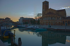 duomo di murano all'imbrunire (conteluigi66) Tags: luigiconte duomo murano laguna venezia sera buio tramonto acqua canale riflesso riflessi barca barche ponte imbrunire vividstriking