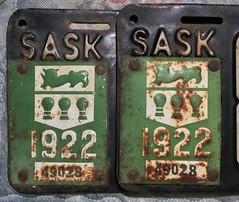 SASKATCHEWAN 1922 LICENSE PLATE PAIR #89-277---TAB CLOSE UP (woody1778a) Tags: saskatchewan saskatchewanhistory numberplate registrationplate licenseplate canada canadian mycollection myhobby alpca 1922