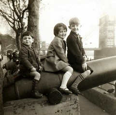 Wright family London 1967 (The Wright Archive) Tags: andy debbie paul wright family children tower bridge london uk february 1967 1960s 60s sixties wrightarchive
