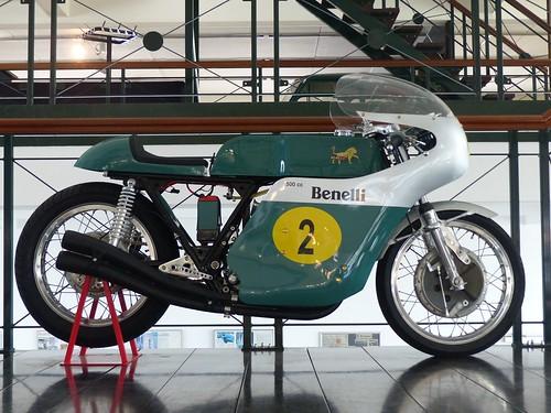 Benelli Quattro 500 racer green r2