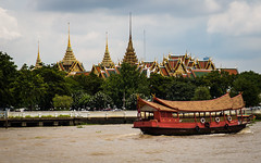 (seua_yai) Tags: asia southeastasia thailand thai bangkok chaophrayariver river wat bangkok2016 boat