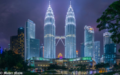 Twin Towers (MNmagic) Tags: sony alpha a7rm2 a7rii klcc malaysia kualalumpur tower urban city night light blue explorer architect travel trip tree vication fe28 7rm2