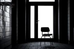 Trsteher (Mastahkid) Tags: door abandoned germany deutschland chair minimal magdeburg tr stuhl gegenlicht mastahkid gammelporn diamantbrauereimagdeburg