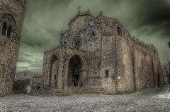 Dark Erice (Fil.ippo) Tags: duomo erice trapani sicilia real cattedrale travel viaggi d7000 nikon hdr filippo filippobianchi chiesa madre matrice gotico gothic