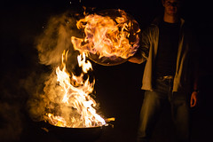 LookMeLuck.com-5818.jpg (Look me Luck Photography) Tags: light shadow people man guy fire darkness bbq fuego llamas hombre feu homme flammes